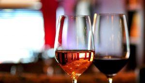 вино за двама